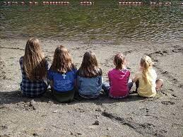 Quiz: Tutte e 5 le sorelle sono impegnate…